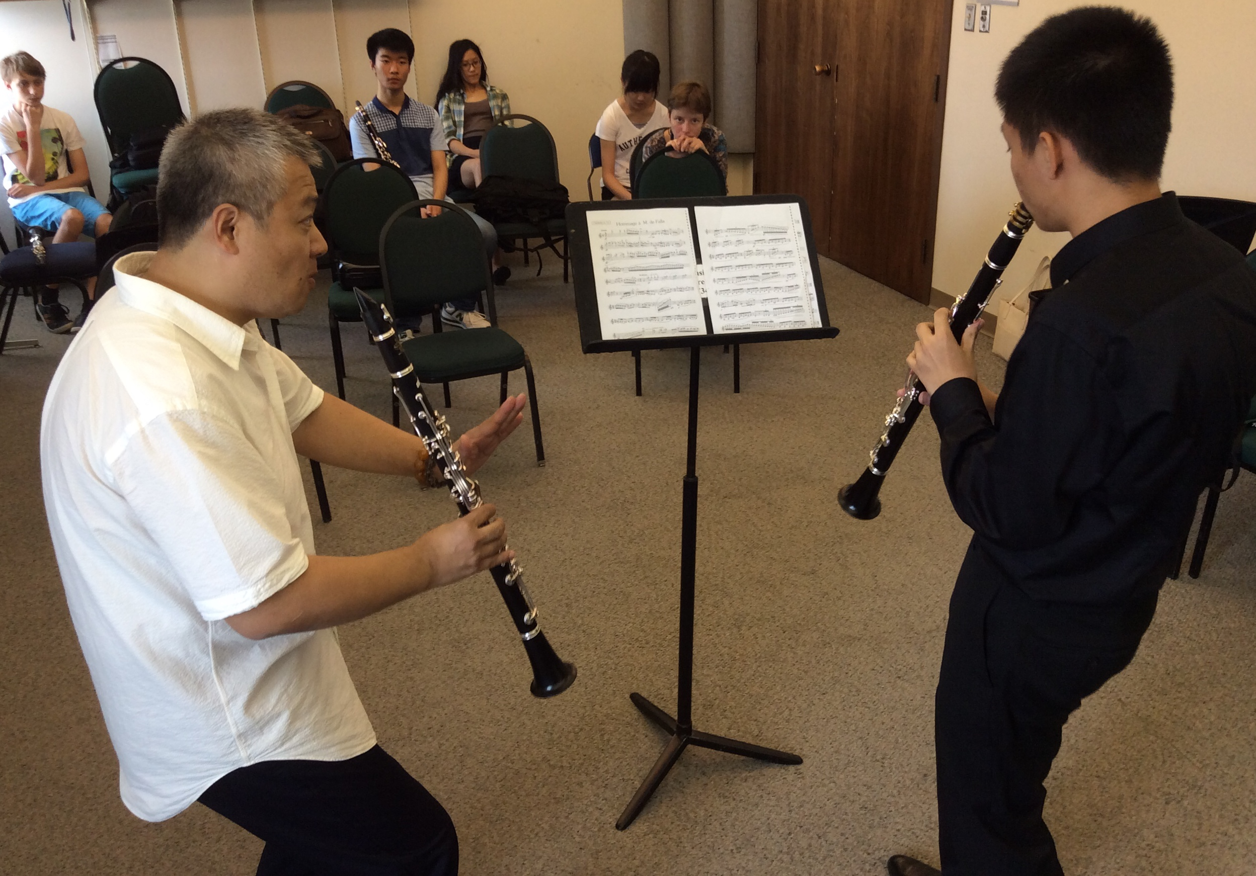 Clarinetist Fan Lei teaches a master class at Morningside Music Bridge